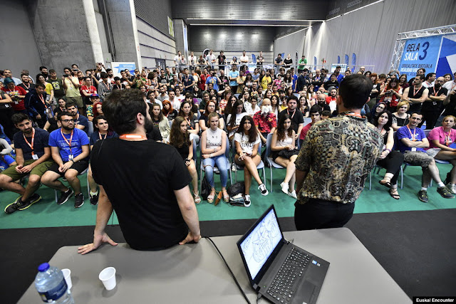 Conferencia sobre youtubers, en Euskal Encounter