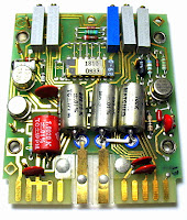 Placa de circuito e chip banhados a ouro