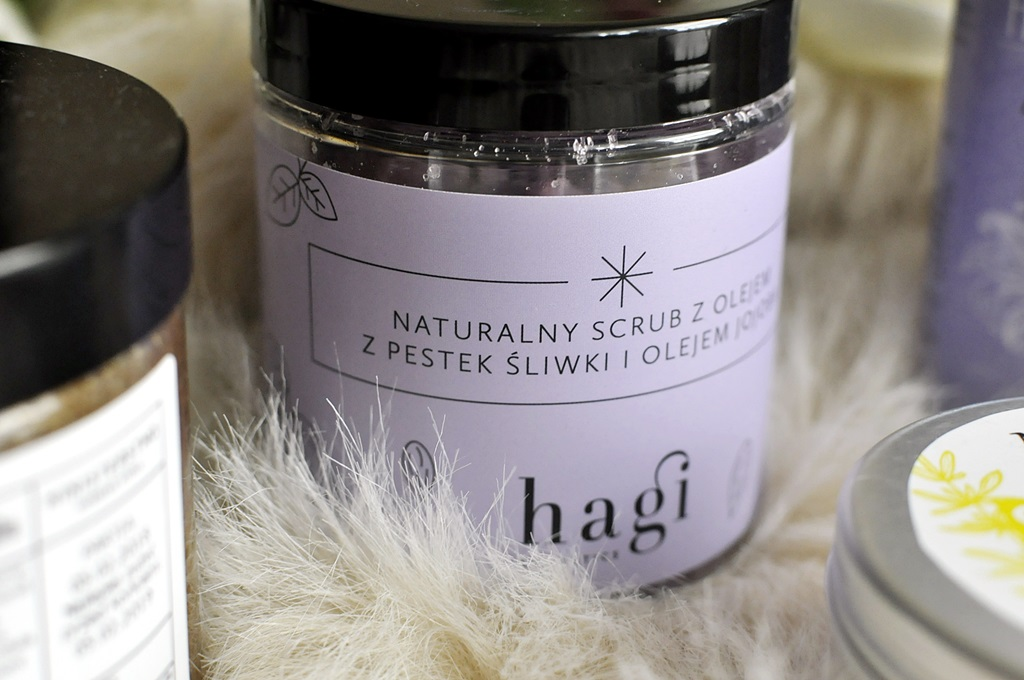 naturalny scrub do ciała z pestek sliwki hagi cosmetics opinie