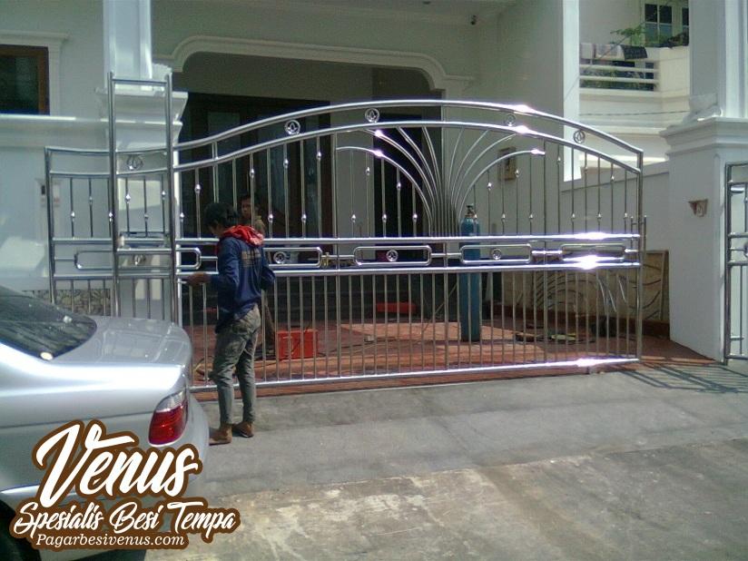 Pagar Rumah Minimalis Stenlis  ide model pagar balkon stainless terbaru balkon minimalis
