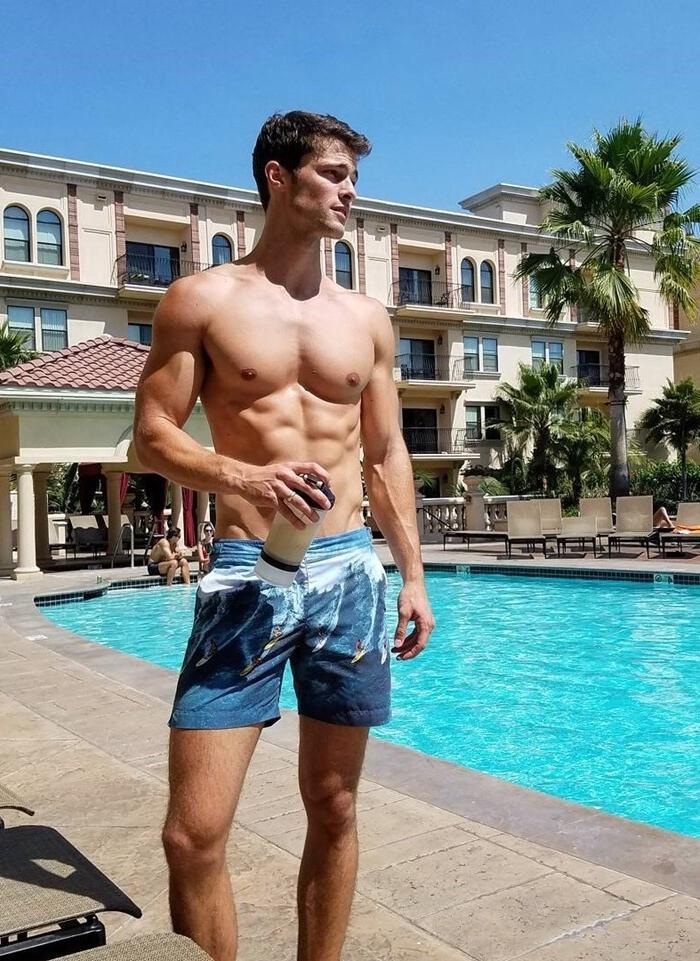shirtless-slim-fit-tall-guy-pool-summertime-vibes-photos