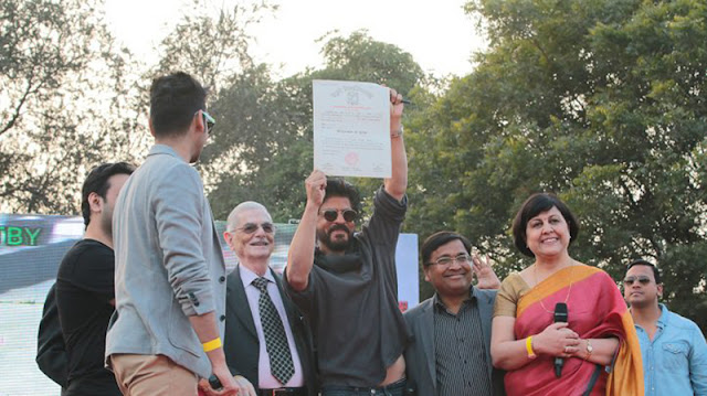 Shah Rukh Khan at Hansraj College for his degree