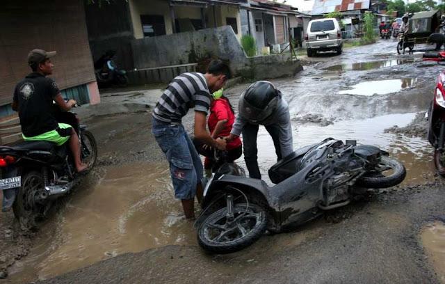 Alami Kecelakaan Akibat Jalanan Berlobang, Warga Bisa Menuntut ! Dendanya Capai Rp 120jt