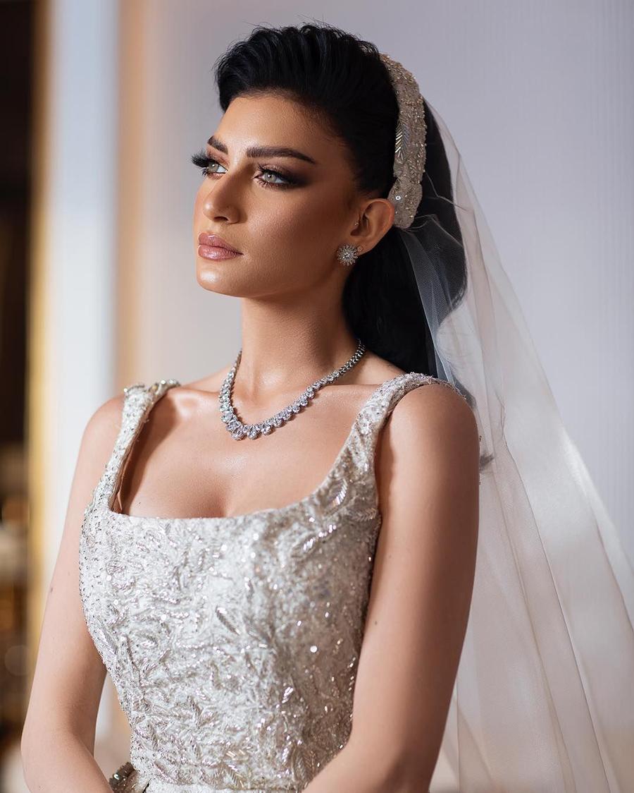 Reem Abdullah artis seksi manis Arab Saudi manis dna seksi belahan dada