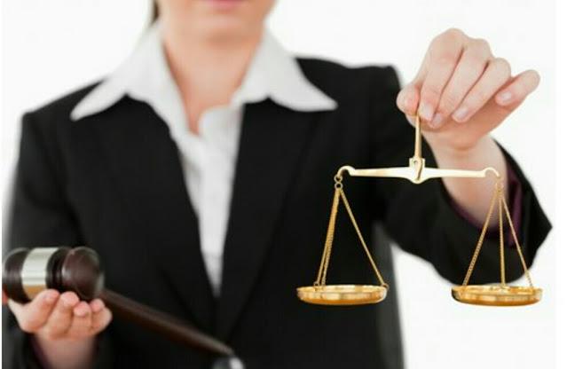 المهدية : إيقاف امرأة بتهمة التحيل و انتحال صفة قاضية