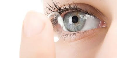 العدسات اللاصقة الطبية للعيون
