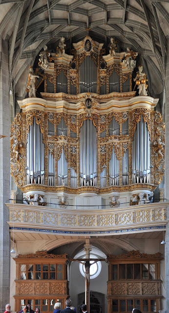 The organ of the Marktkirche, Halle (Photo: Andreas Praefcke / CC BY (https://creativecommons.org/licenses/by/3.0))