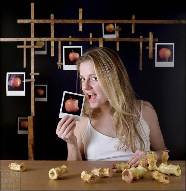 retrato,eva,manzanas,genesis,estudio,fotografia,valencia,limites,polaroid,arte