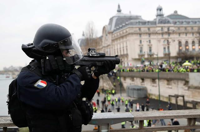 Represion, Francia
