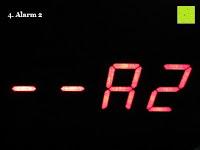 Alarm 2: kwmobile Wecker Digital Uhr aus Holz mit Geräuschaktivierung, Temperaturanzeige und Tastaktivierung