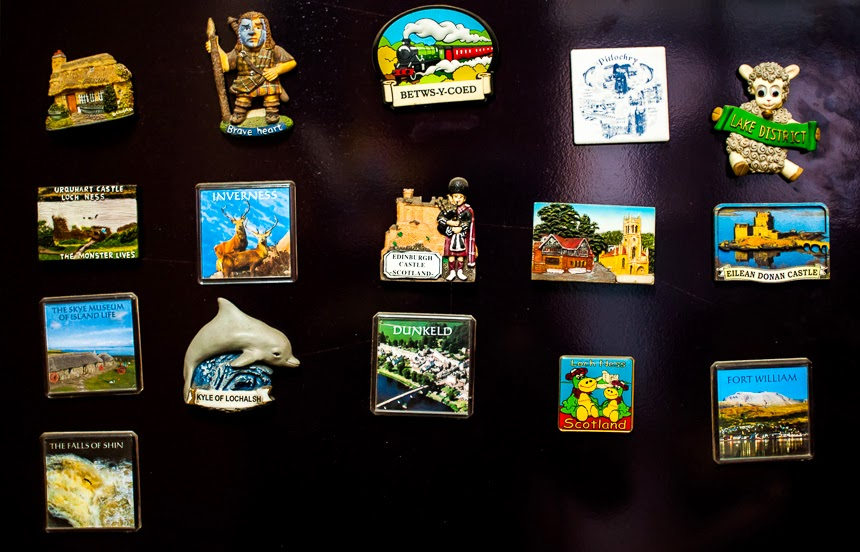 Fridge magnets are still fairly uncommon in India. The one from Shimla above (in which you can see the Ridge) is just one of the three Indian magnets in my collection. The others are from Goa and Delhi. Most tourist places in India do not sell fridge magnets, and this is really unfortunate.