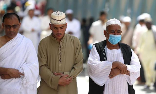 """الاتحاد العالمي للمسلمين"""" يدعو إلى إيقاف إقامة صلاة الجمعة وصلوات الجماعة"""
