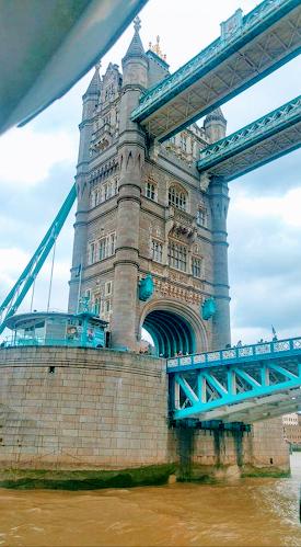 Gran turismo viaja por todo el mundo - Puente de la Torre - Londres