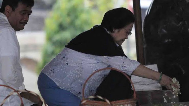 Pandemi, PDIP Tetap Gelar Doa Bersama di Makam Bung Karno