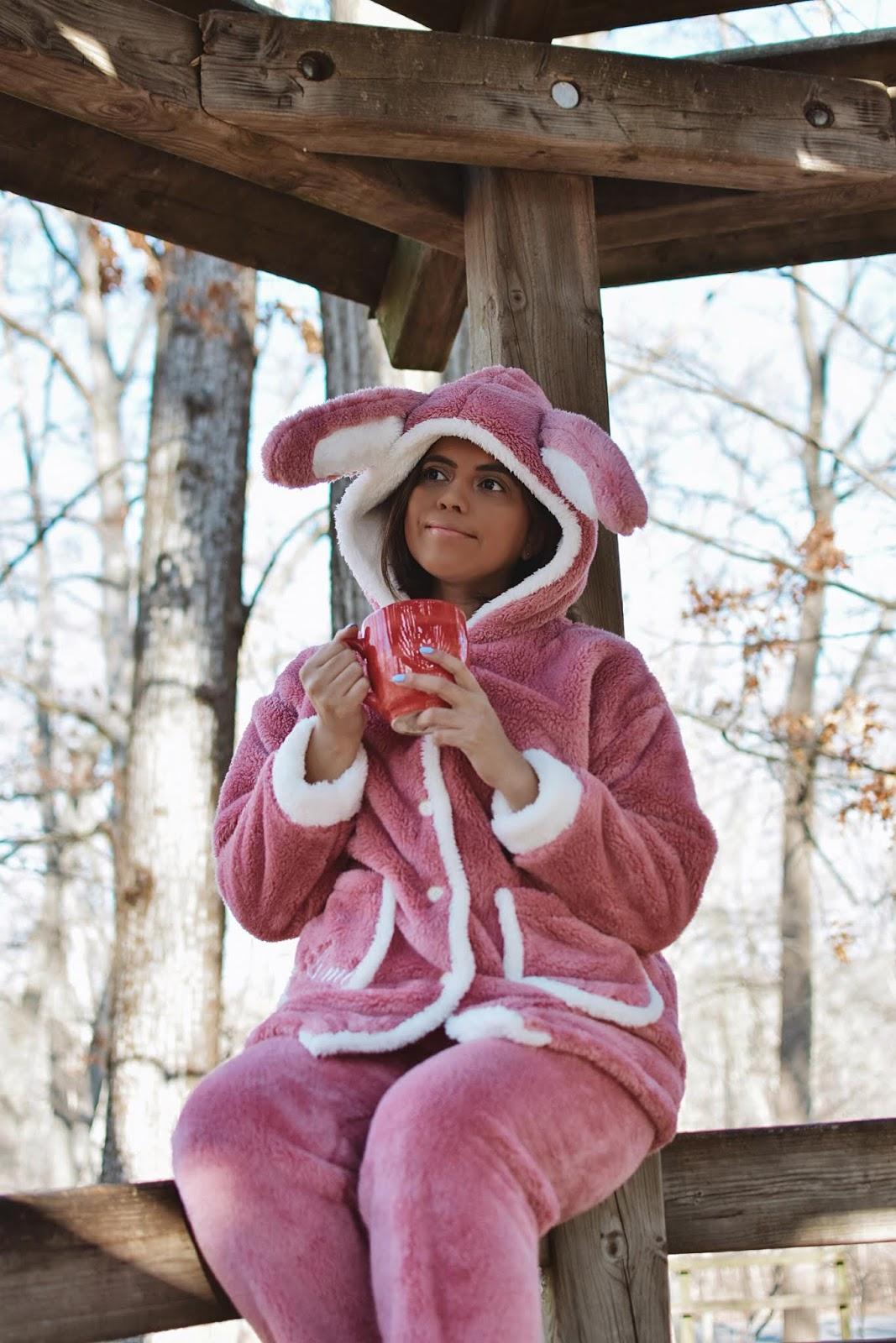 Rabbit Ear Plush Hooded PJ Set by Mari Estilo-dcblogger-sheingals-winterstyle-pijamas divertidas-pijamas a la moda-marisolflamenco-
