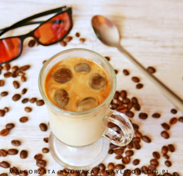 jak zrobić w domu mrożoną kawę, kostki kawowe, daylicooking