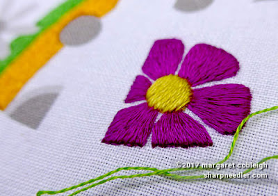 SFSNAD Flower Power Challenge: Another colourful embroidered daisy