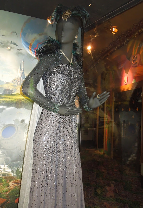Rachel Weisz Evanora witch costume