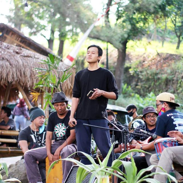 Live Music Acoustic di Ngopi Wenk Jurang