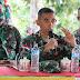 Arahan Dansatgas TMMD 109/Sintang, Letkol Inf Eko Bintara Saktiawan dihadapan Warga Desa Tirta Karya