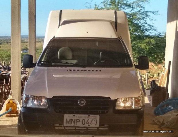 Veículo carregado com tecido é roubado próximo a Barra de São Miguel, na Paraíba