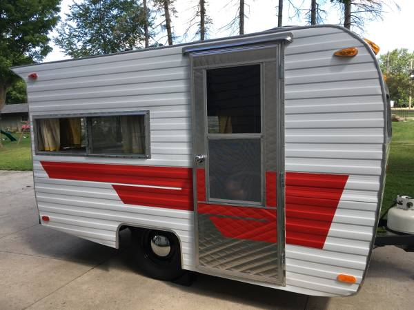 Completely Renovated 1969 Cardinal Deluxe Trailer Rv
