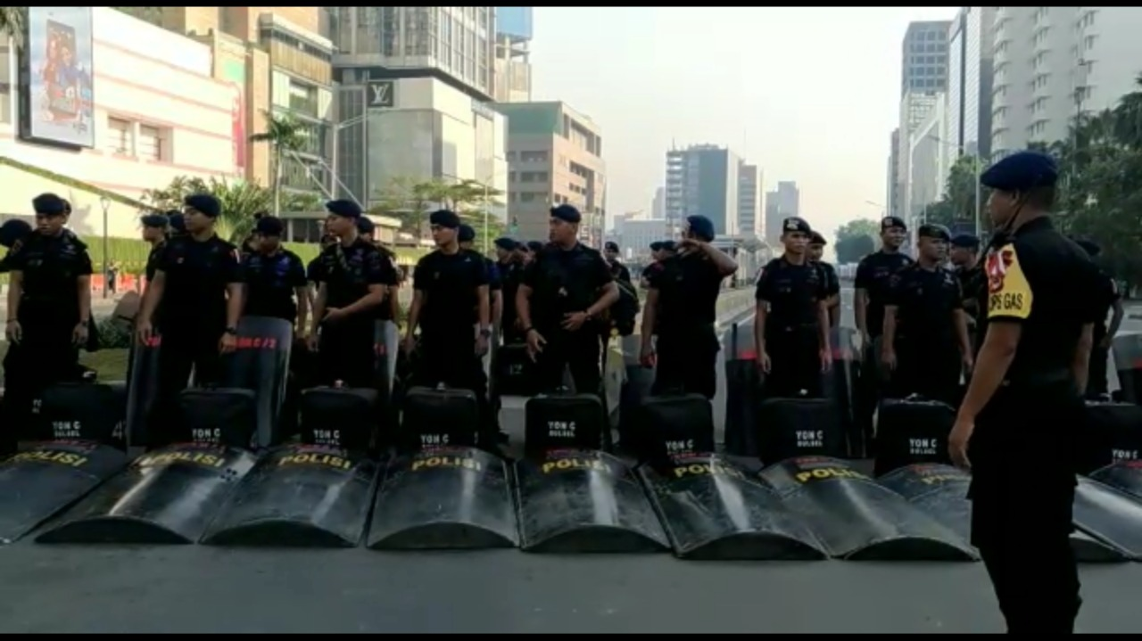 Komitmen Amankan Pesta Demokrasi, Personel Sat Brimob Polda Sulsel Rela Tak Id Fitri Sama Keluarga