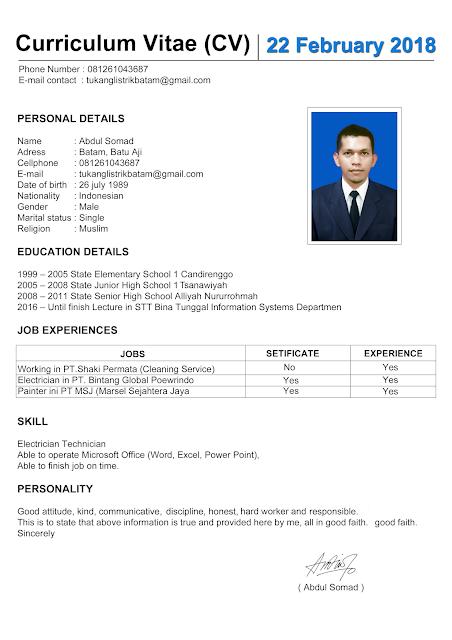 Apakah Curriculum Vitae atau CV harus menggunkan bahasa inggris Contoh Curriculum Vitae Bahasa Inggris