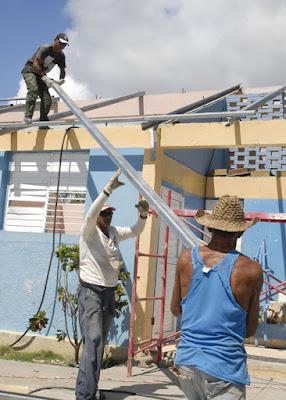 Reconstrucción de las instalaciones dañadas por el huracán