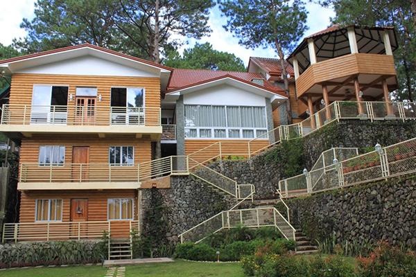 Emily's Garden Suites - Back facade