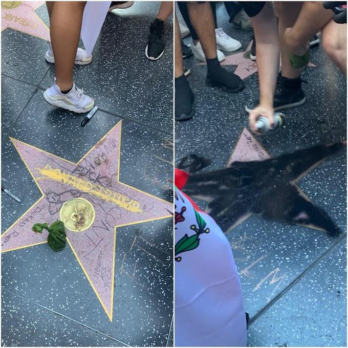 あなたもこれでアフリカ系‼️とばかりに、TVタレントのドナルド・トランプのウォーク・オブ・フェームの星が真っ黒に塗りつぶされた‼️😂