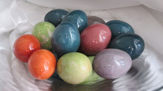 Dye easter eggs with 100% natural colors