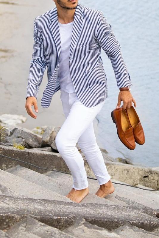 White jeans with stripes blazer