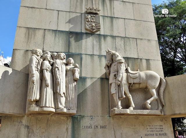 Close-up do Conjunto escultórico Caxias em Bagé - Praça Princesa Isabel - São Paulo