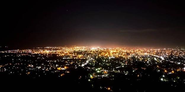 Indahnya Suasana Malam Kutaraja dari Puncak Gle Batee