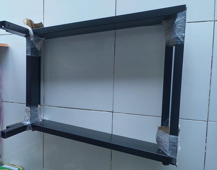 Chân bàn sắt hình thang màu đen (hoặc trắng) sơn tĩnh điện dùng sắt 1,2li, bệ sắt to rất chắn chắn cao 70cm