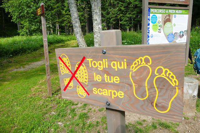 camminata a piedi nudi barefoot walking