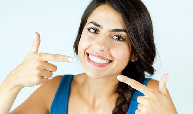 10 Tips Membersihkan dan Memutihkan Gigi Dirumah, Langsung dicoba