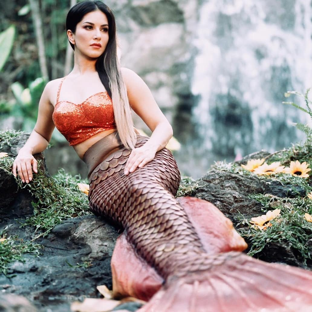 Sunny Leone Looks Hot in Awesome Photoshoot