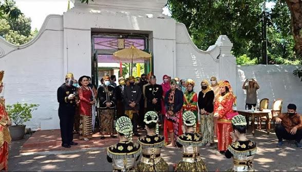 Para Artis, Raja dan Sultan Serta Utusan dari 60 Negara Tumplek di Keraton Kacirebonan