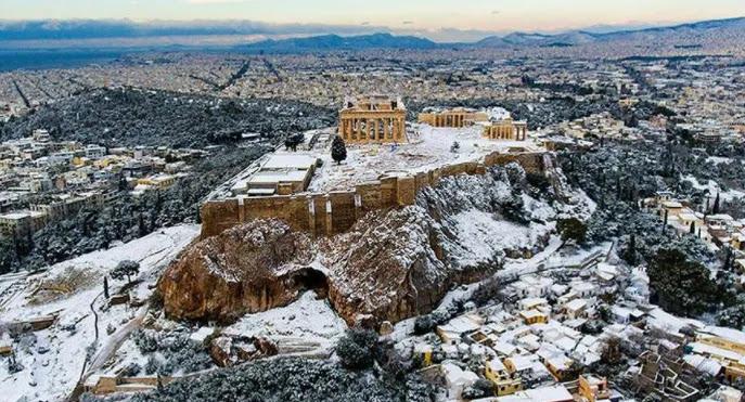 Μετεωρολόγοι: «Έρχεται πολυήμερο ψύχος. Θα χιονίσει και μέσα στις πόλεις»