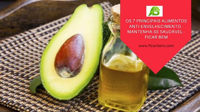 Os abacates são ricos em ácidos graxos  vitaminas A, D e E.