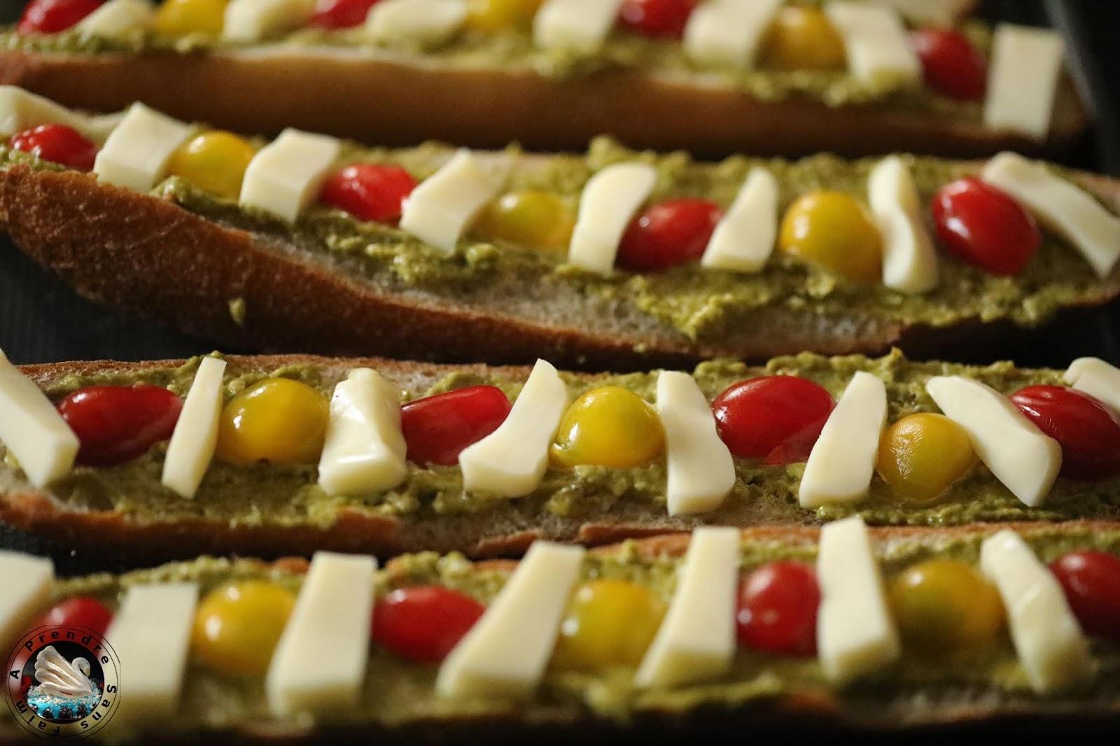 Baguettes apéritives tomates mozzarella
