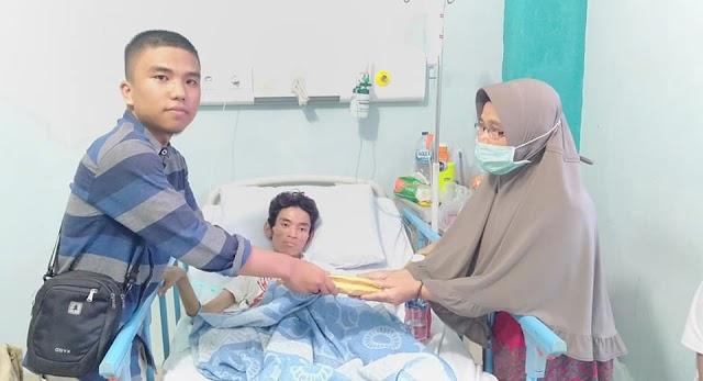 HMKIA Sumbar Serahkan Bantuan Hasil Penggalangan Dana Untuk Syafrial