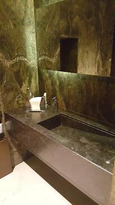 Public toilets - Melià Hotel - Genova (Italy)