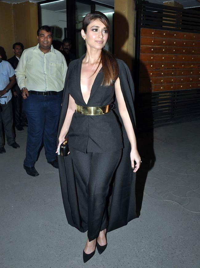Ileana in black gown