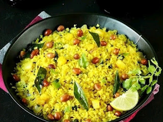 6 BENEFITS OF EATING POHA FOR BREAKFAST