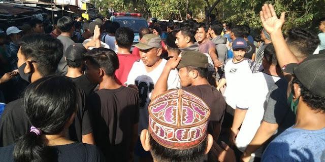 Pemuda di Makassar Korban Salah Tembak Polisi Kini Tewas, Warga Demo Polsek