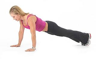 Latihan Plank Untuk melatih Otot Perut