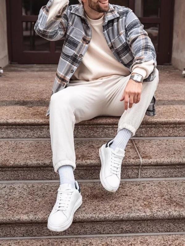 Sweatshirts with woolen shirt